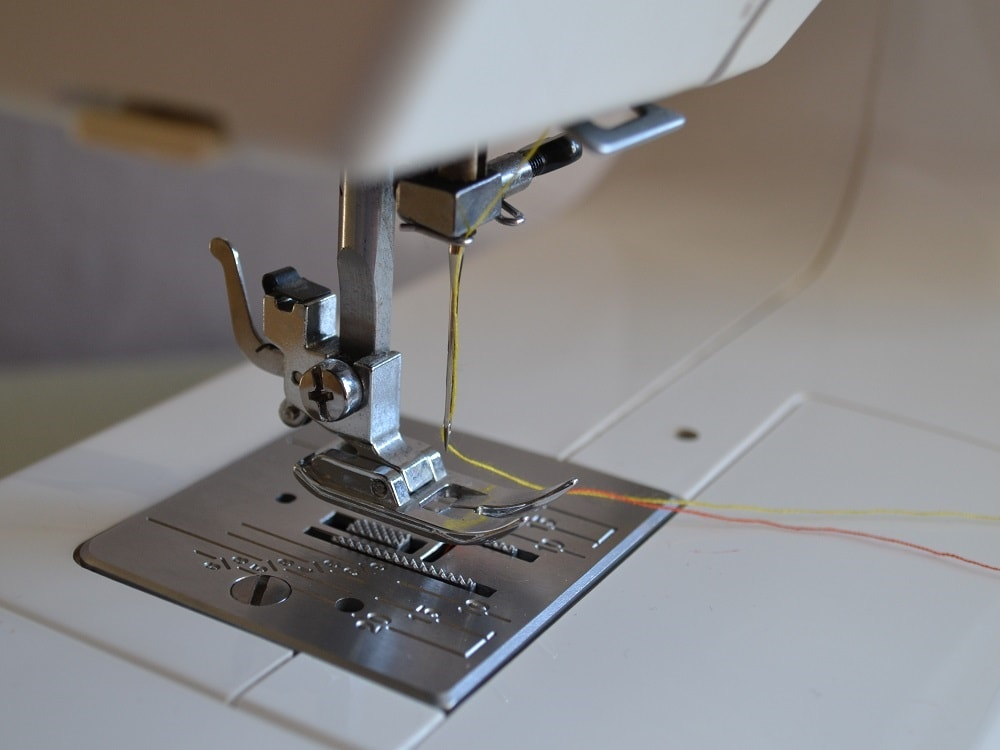 Using A Sewing Machine Getting Started Straight Stitching Best How To Start A Sewing Machine
