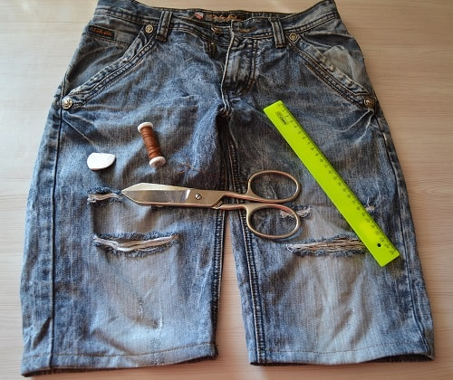 How to Turn Your Old Jeans Into Shorts
