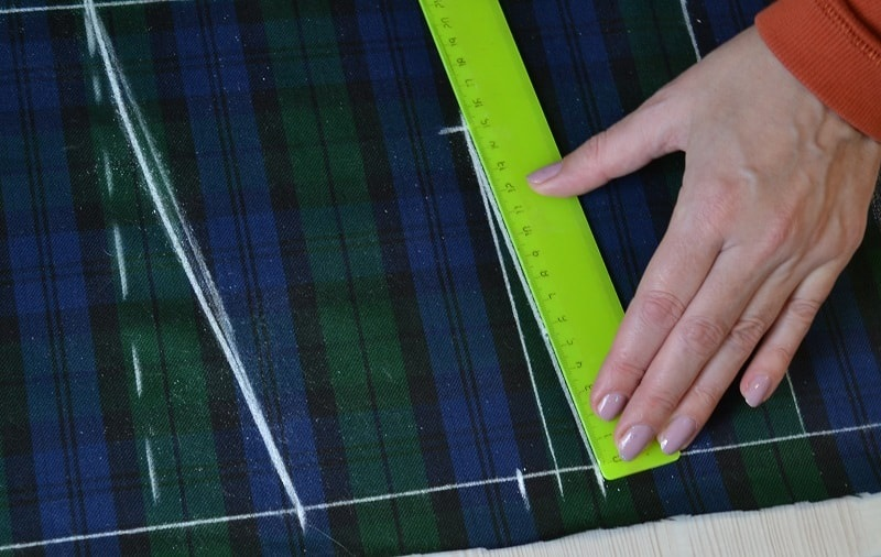 Skirts Patterns | How to Draft a Pencil Skirt Pattern Direct on Fabric