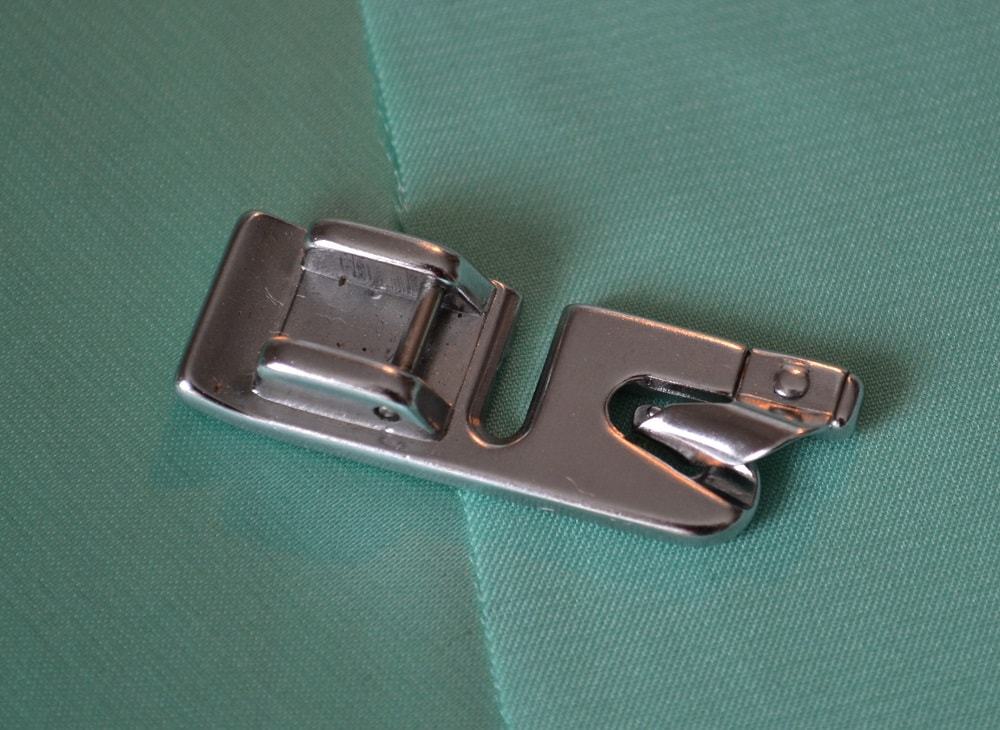 Rolled Hem Presser Foot Tutorial, step 1