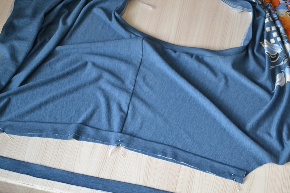 Womens Short Sleeve T-Shirt with Bias Tape, step 13
