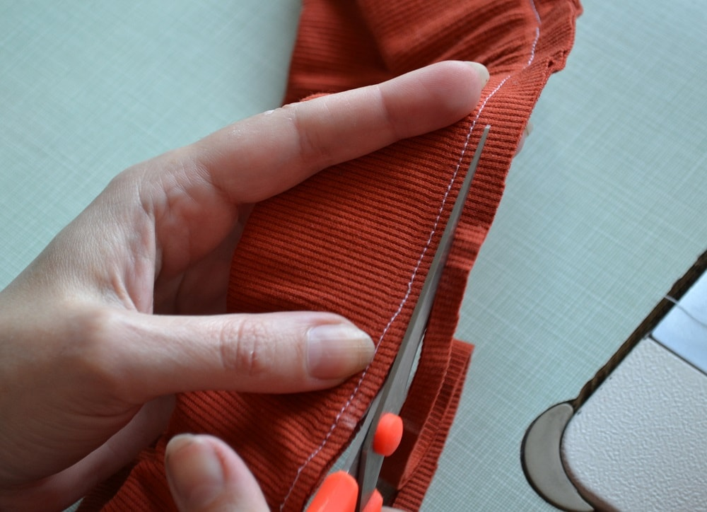 How to Sew an Elastic Waistband, step 11