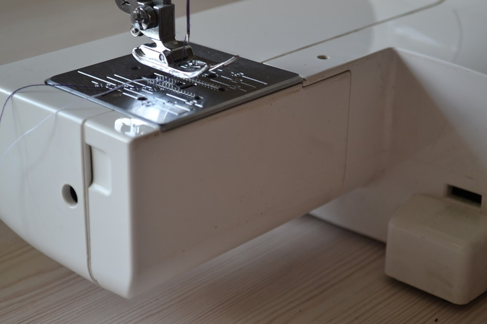 How to Thread a Sewing Machine, step 26