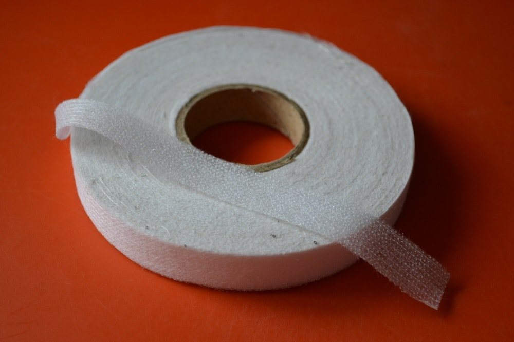 The adhesive tape for fabric