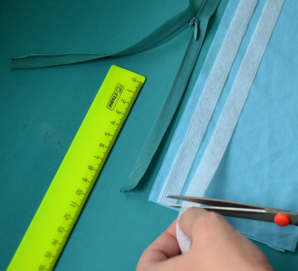 Press the adhesive tape on edges a fabric